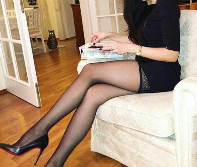 Got Heels On Twitter Heels Legs Ootd Lbd Nylons Pumpd Blackheels Redbottoms Gotloubs