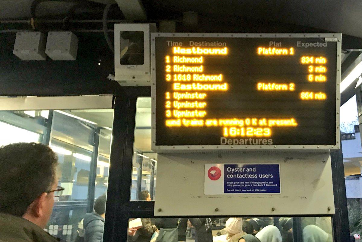 800+ mins for next train 😆 @TfLTravelAlerts #fail
