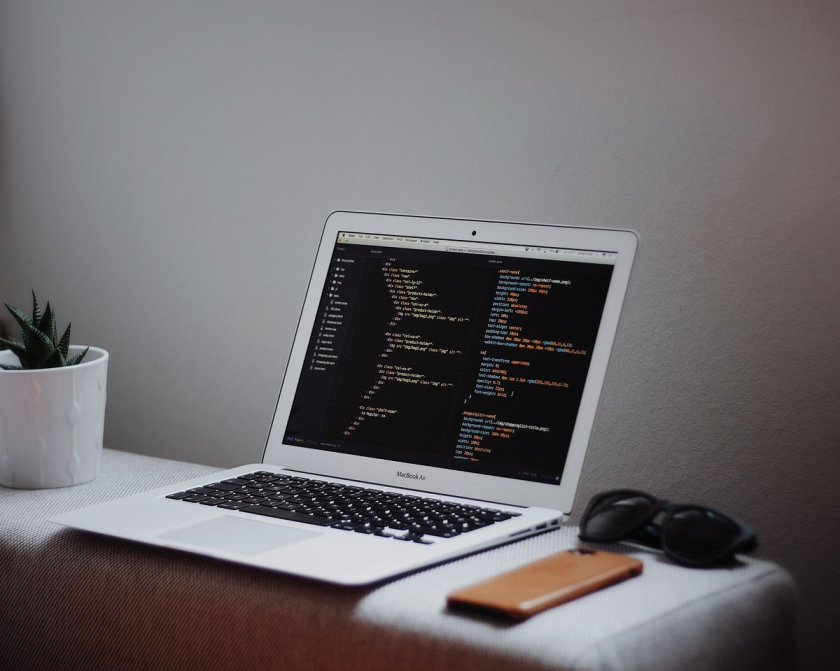 Nested routes with #ReactJS Router v4:  by @tylermcginnis #JavaScript