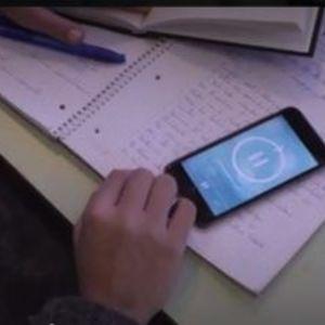 """test ツイッターメディア - 20分間""""スマホ断ち""""するごとにポイントがもらえる学生向けアプリ「Hold」とは? https://t.co/w9A3Y6MoW8 https://t.co/SH4r46KaGF"""