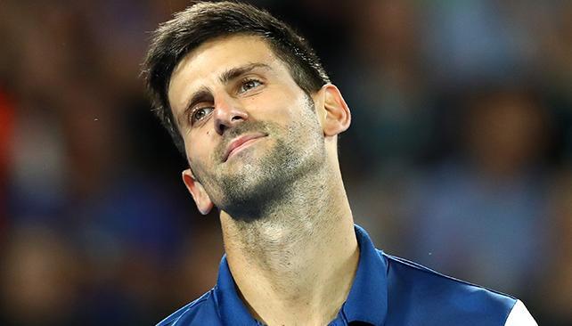 Djokovic fue operado del codo, Djokovic, operan a Djokovic en Suiza