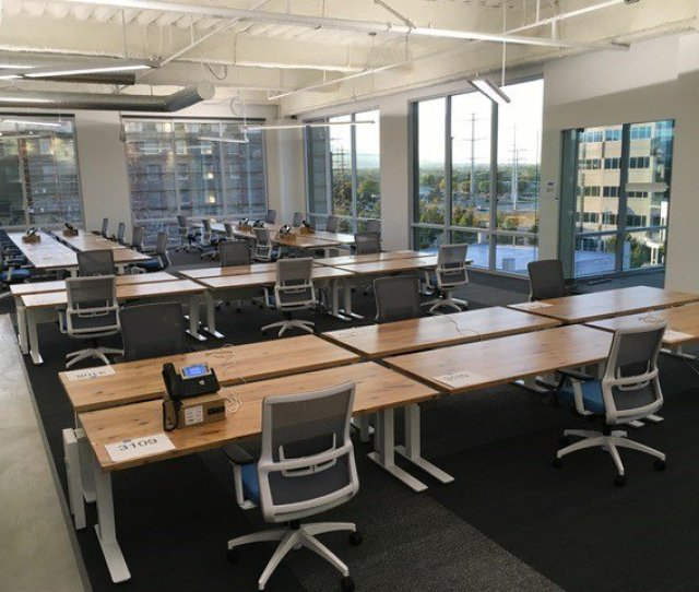 Breakout Spaces And Meeting Rooms View More Images Bit Ly Ebyypg Modern Openplan Office Collaboration Interior Pic Twitter Com Ajtthtpjni