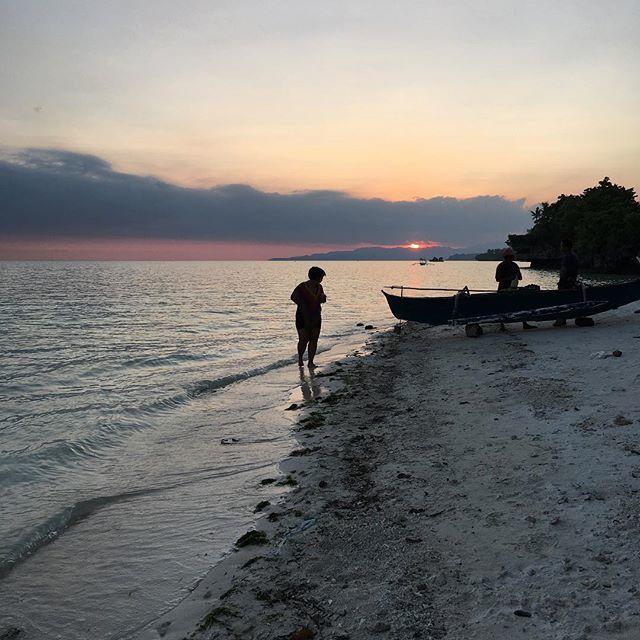 test Twitter Media - After run beach-y walk. https://t.co/ESvu85oh4z