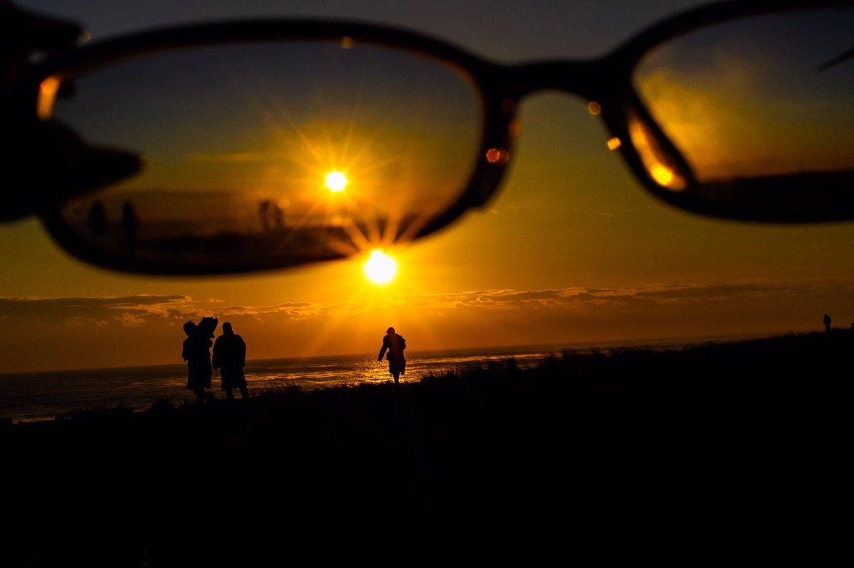 test ツイッターメディア - 見た世界  #空  #初日  #初日の出  #空の境界  #空がある風景  #写真好きな人とつながりたい  #ファインダー越の私の世界  #ファインダー越しの架空と現実の世界 https://t.co/OXnlM2xhYp
