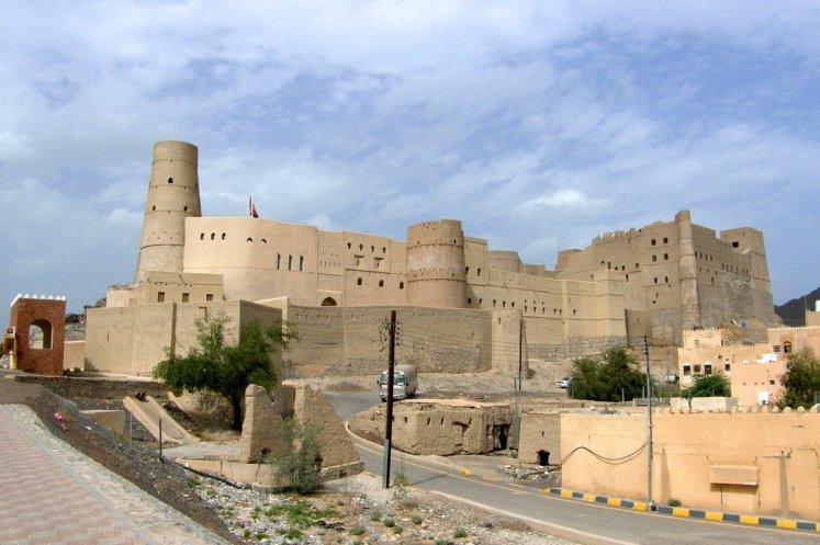 اكبر ولاية في سلطنة عمان