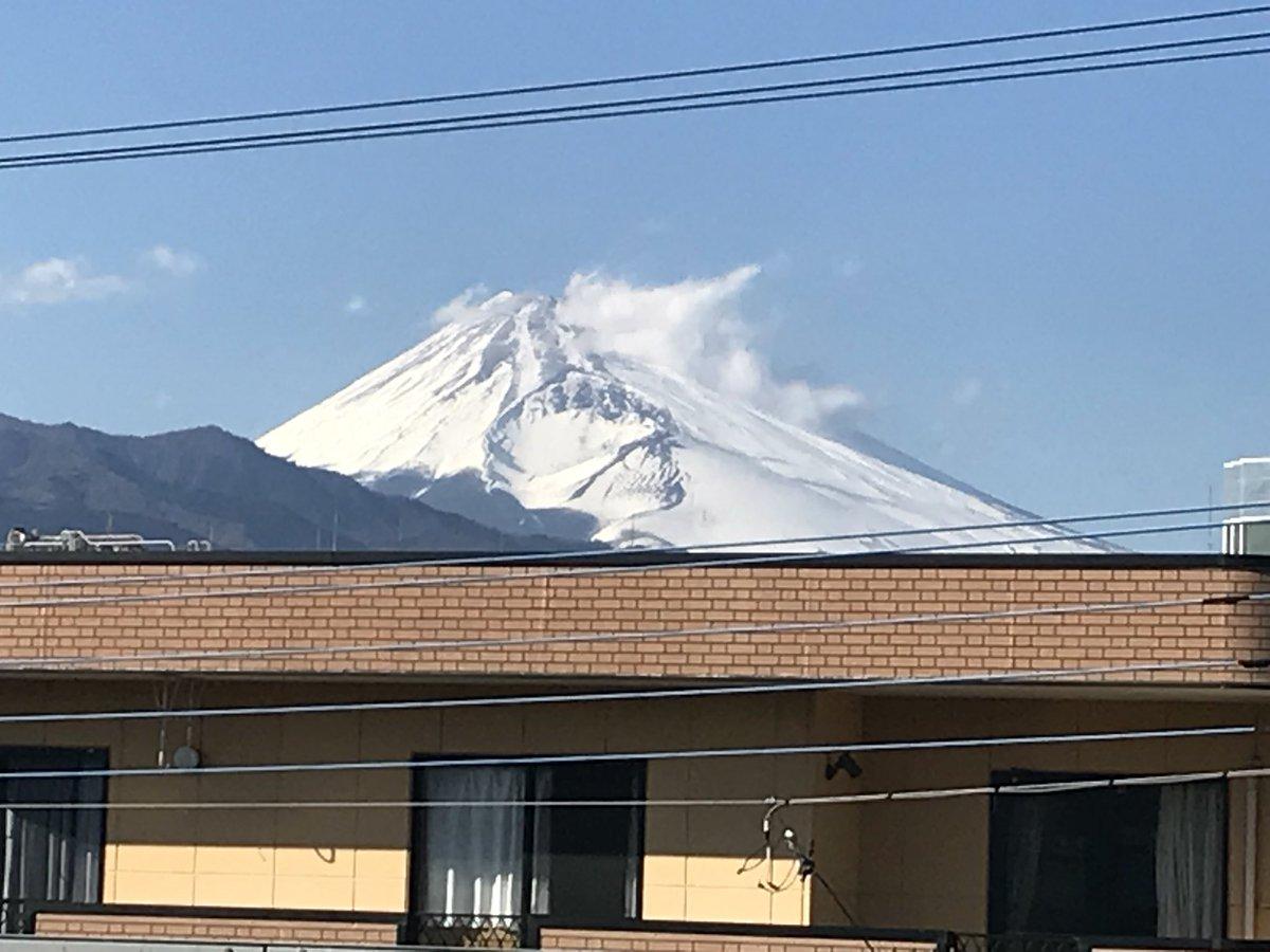 test ツイッターメディア - あくる日の、三島駅から。   #富士山の日 https://t.co/CwqK43Gmyp