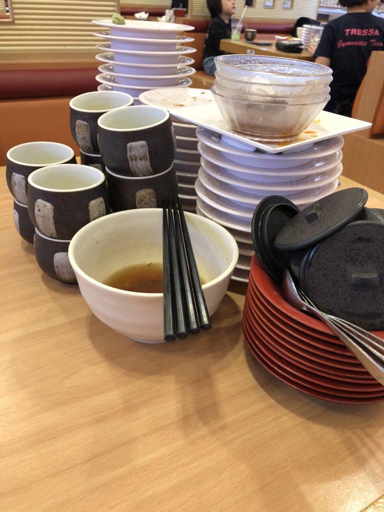 test ツイッターメディア - 【かっぱ寿司食べ放題】 2回目〜 (ง •ૅ౪•᷄)ว   お寿司のお皿:35皿 茶碗蒸し:10個 醤油ラーメン:1杯 フライドポテト:1皿 たこ焼き:1皿 白玉ぜんざい:2皿 バニラアイス:1皿  はぁ〜 今日も幸せでぇす❤️ https://t.co/1iRcyY7KEr