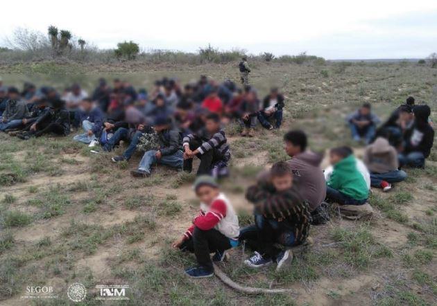 Detienen a 103 indocumentados centroamericanos que iban rumbo a Estados Unidos — México