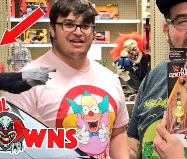 Grims Toy Show On Twitter Plz Retweet Toysrus Clown Shot Brandon Is He Dead Mattcastlegts Kdk_official Https T Co 07qsfnjhev
