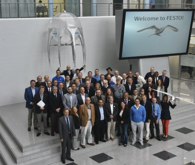 Biz On Twitter Our Crew Were On Hand To Demonstrate The Airjelly And Smartbird To A Us Delegation Visiting The Festo Hq Last Week