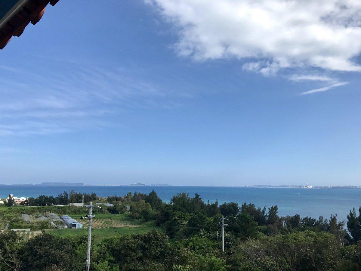 test ツイッターメディア - 梅雨入りしてから晴天が続く沖縄。今日も画像の通り最高の天気でした。笑ただ、ダムの貯水率が平均よりかなり下がってるのが気になりますが。。 画像は今日寄った沖縄自動車道の伊芸SA上り線から撮りました。物見台もあり景色最高です♪もちろんお土産も買えます◎ごまふくろうもバッチリありますよ! https://t.co/qxt7V1V2LN