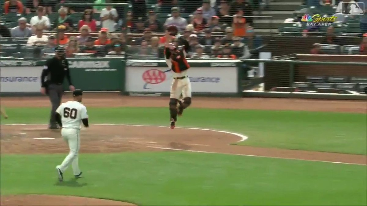 Image for the Tweet beginning: Like a cat, @BusterPosey.