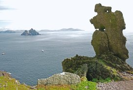 "Tim Skellett on Twitter: ""Another old photo of mine, from Skellig Michael,  with Wailing Old Woman rock at foreground side, & the sister island of  Little Skellig (Sceilig Bheag), mainland behind that."