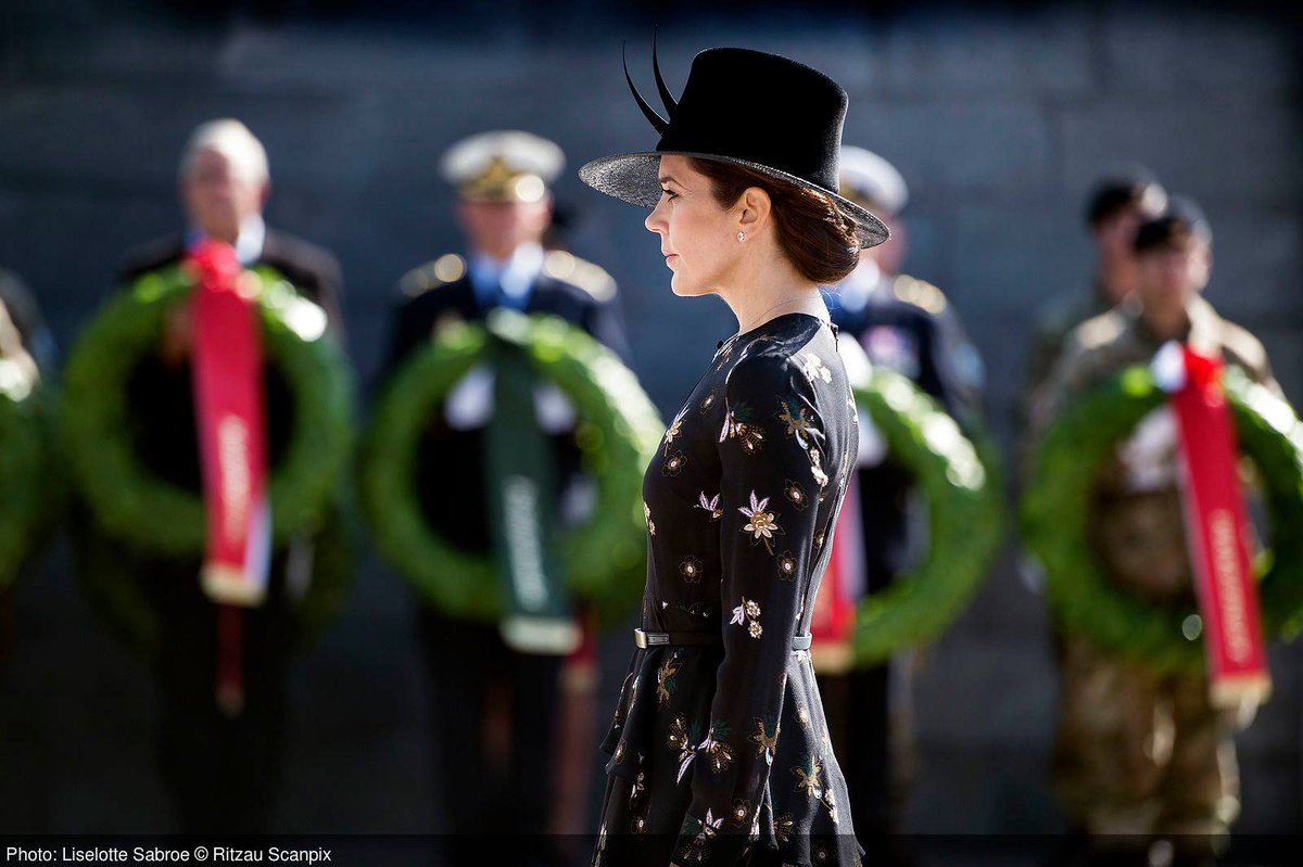 test ツイッターメディア - 9月5日、メアリー皇太子妃は、海外での平和維持等の任務で殉職したデンマーク軍の兵士を追悼する式典に参列しました。 https://t.co/cW96KLpUpX