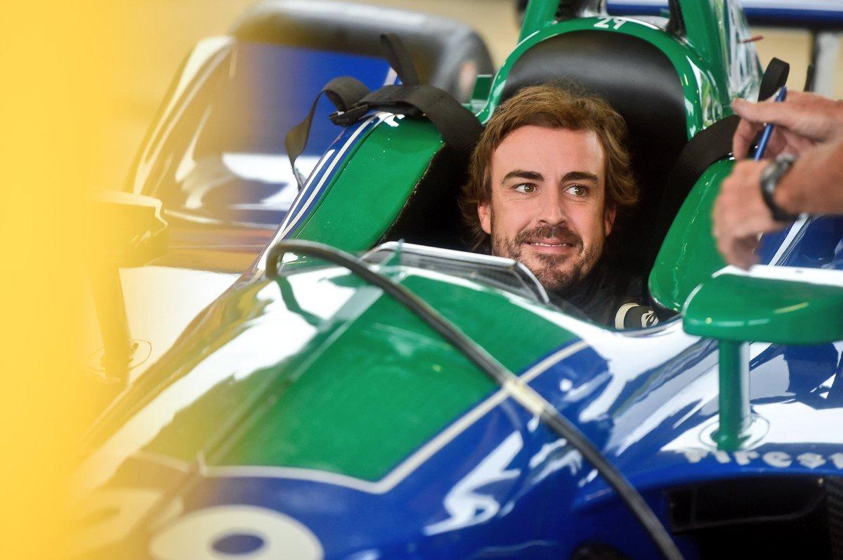 F1 Alonso non si ferma: gira già con la IndyCar