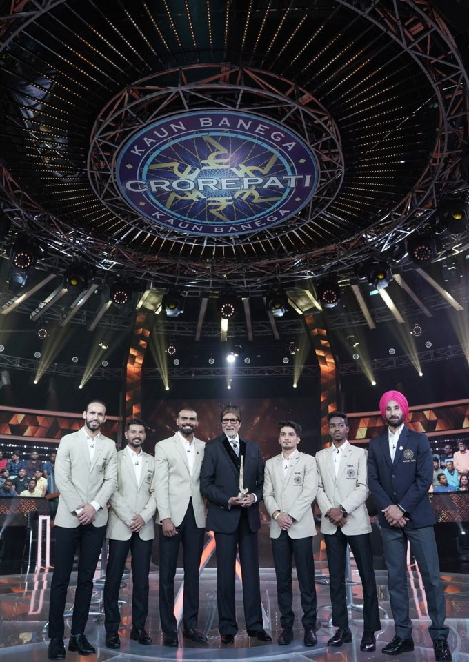 KBC Karmaveer Episode : Sr. Bachchan invites Indian National Team