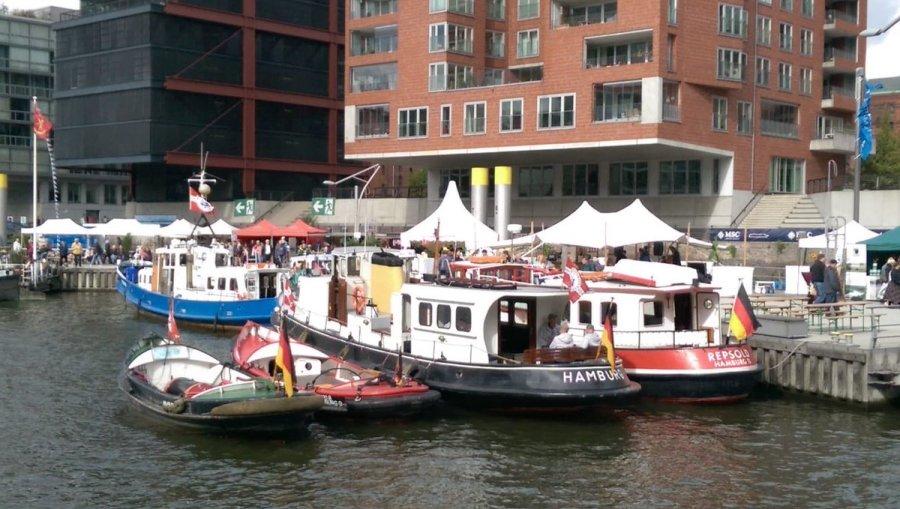 test Twitter Media - Schippern, schnacken, schauen, schlendern am Sandtorhafen in der Hafencity beim #Elbfest in #Hamburg https://t.co/Z8uz9wkgrL