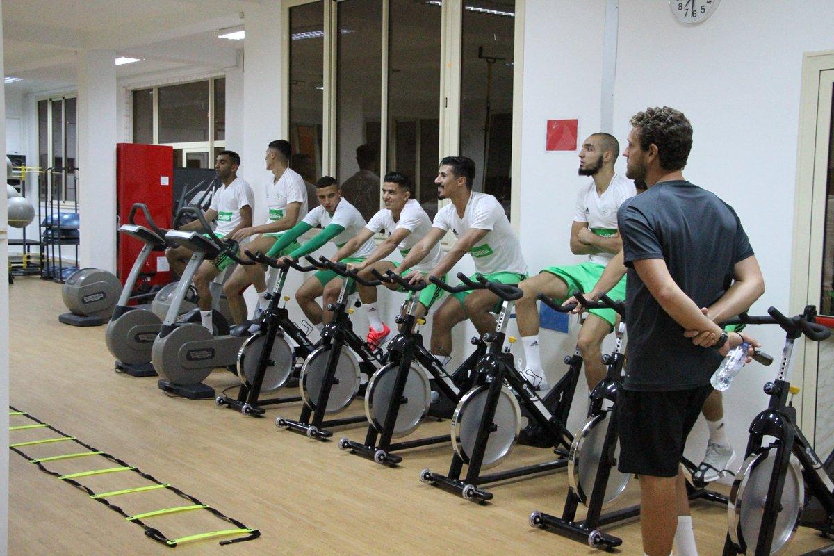 بالصور: الخضر يجرون أول حصة تدريبية وهذا ما قام به بلماضي 6