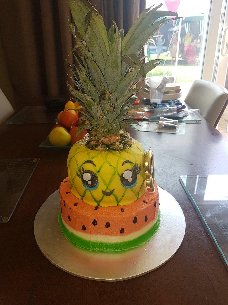 Louise Isherwood On Twitter My Daughter S Hawaiian Themed Birthday Cake Extraslice