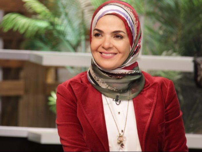 ارتدت الحجاب بعد وفاة شقيقها معلومات لا تعرفها عن منى عبد