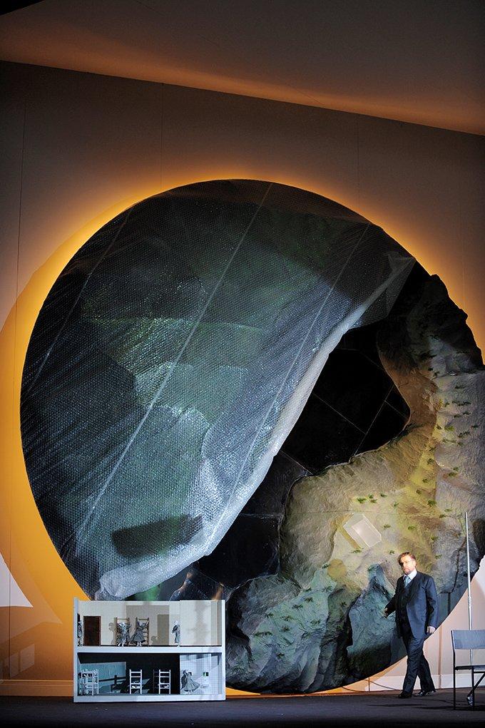 """test Twitter Media - Wagners """"Ring"""" unter der Musikalischen Leitung von Kent Nagano geht weiter! Heute Abend (sowie am 16.11.) wird """"Die Walküre"""", der """"Erste Tag"""" des Ring-Zyklus zu erleben sein. https://t.co/tsjCAx5b1O https://t.co/SirVkMuwo8 (Foto: Monika Rittershaus) https://t.co/mfZVBXyaN3"""