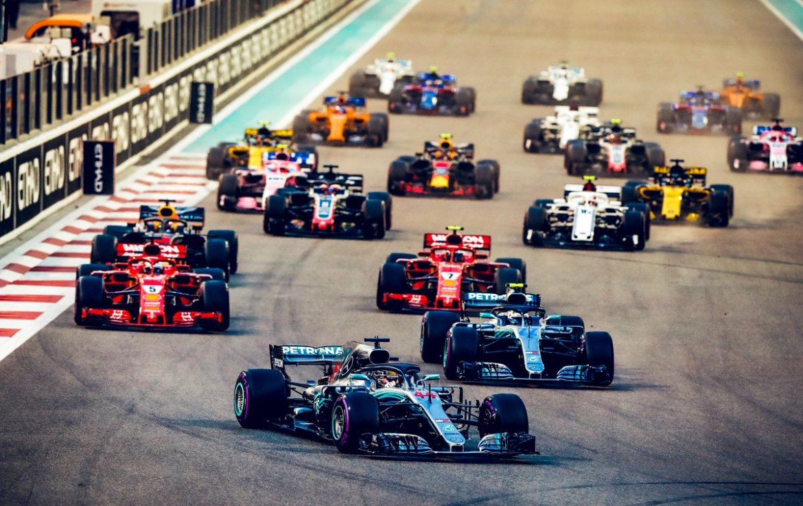 Lewis leads Valtteri into the first corner of the Abu Dhabi Grand Prix en route to victory in the final race of the season!
