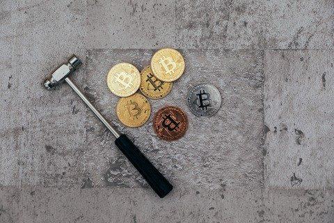 test ツイッターメディア - ビットコイン暴落でマイニングプラントのたたき売りが始まる。今が買いどきだな。      #仮想通貨 $BTC https://t.co/SOZz53N1wL https://t.co/XlCxQdAkDB