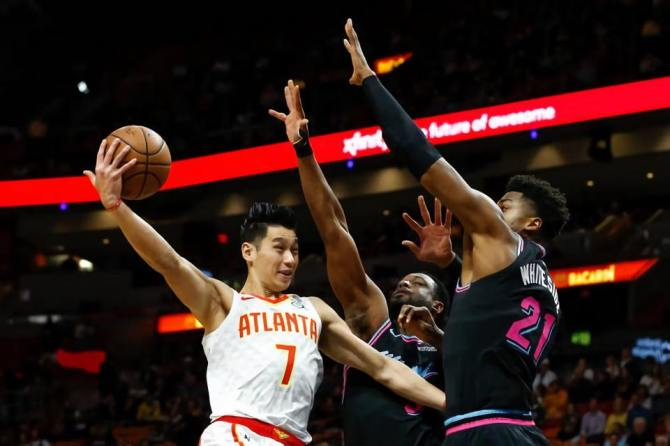 Game 22 Atlanta Hawks vs Charlotte Hornets  ➡️@JLin7  is Listed as Questionable 🙏🙏 ➡️#AssistofTheNight and #9 of Top 10 NBA Plays 🔥🏀🙌 https://t.co/g8The0DrCh
