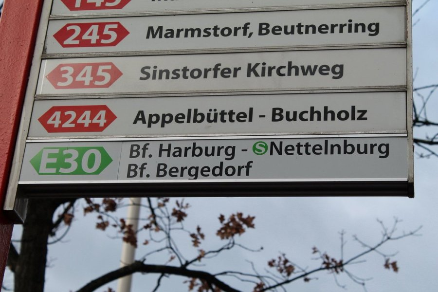 test Twitter Media - Mit planmäßig 32 Minuten Fahrtzeit von Harburg nach Bergedorf stellt die neue Eilbuslinie E30 eine schnelle und komfortable Alternative zur S-Bahn dar. Bezirksamtsleiterin Sophie Fredenhagen und VHH Geschäftsführer Jan Görnemann weihten die Linie heute gemeinsam ein. #Harburg https://t.co/5HFrUI7E3k