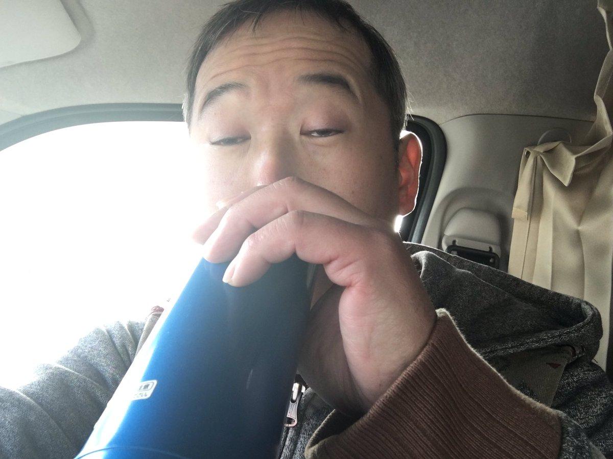 test ツイッターメディア - おはようございます😃 皆様の暖かいメッセージ本当にありがとう御座います😂 今、長野県の端の道の駅雷電くるみの里で仮眠しました👍 到着3時〜今から出発8時 めちゃくちゃ寒いです😨❄️ パンとコーヒー食べながら後90キロ 約三時間ドライブ行って来ます https://t.co/azLS86gVt9