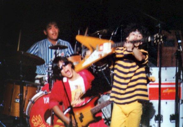 test ツイッターメディア - 大宮!浦和!与野!蕨!そして埼玉大学の皆様!荒川のこっちにロックを東京まで行かなくても自分たちの町に日常のロックを目指し1986年まで頑張ったウラワロックンロールセンター、それがまとまりました。12月19日発売です。ディスクユニオン北浦和、大宮店に沢山置いてます https://t.co/eKQSPv9klS https://t.co/yxozrMEnWM