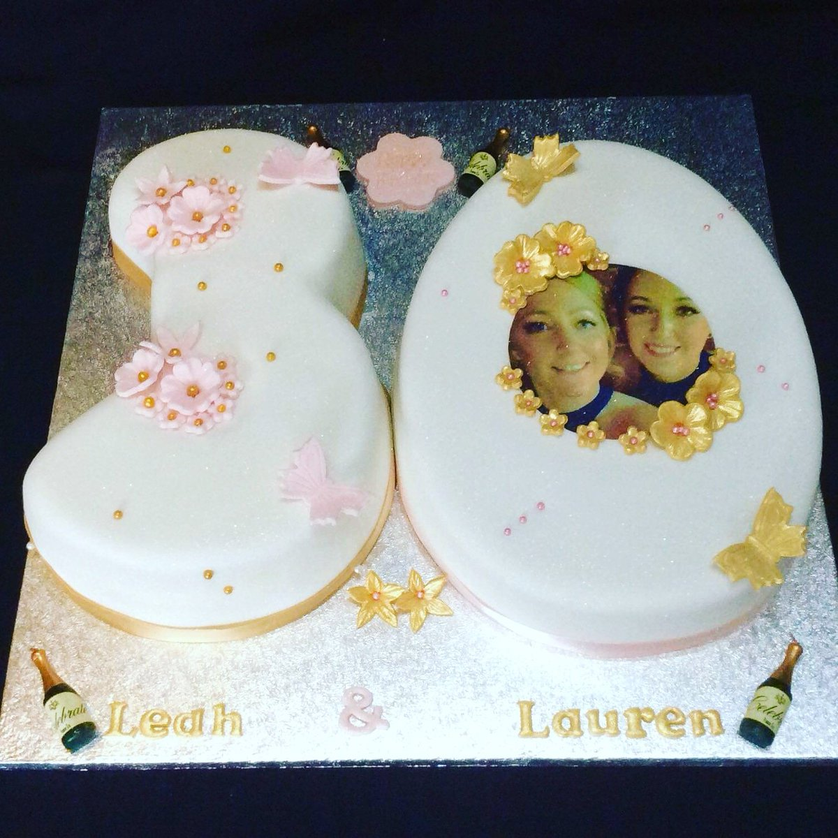 Tina S Cakes على تويتر Cupcakehour 30th Birthday Cake For Twin Ladies 3 Is Salted Caramel 0 Is Chocolate With Handmade Flowers Xx