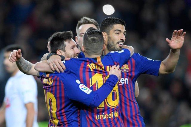 برشلونة يحقق فوزا سهلا على ضيفه إيبار 25