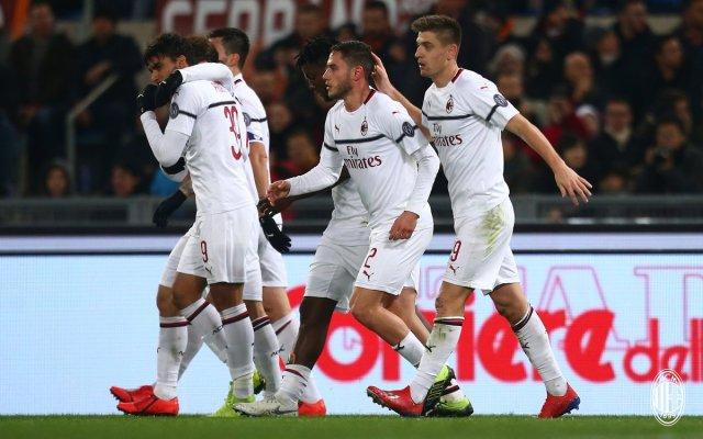 روما 1-1 ميلان : التعادل الإيجابي يحسم القمة بين الذئاب والروسونيري 26