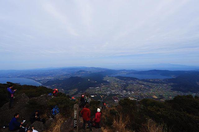 test ツイッターメディア - 2019.2.10 開聞岳 韓国岳と迷ったけどこちらへ。韓国岳は新燃岳の規制レベルが下がって歩けるところが増えるようなのでその時に。開聞岳は3回目もスカッとした青空にはならず…が、下山した頃にはまさかの快晴となりました😢 https://t.co/6f0lpQGizE https://t.co/iOiZybJtmv