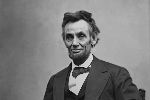 Image for the Tweet beginning: Happy birthday, President Lincoln! Lincoln
