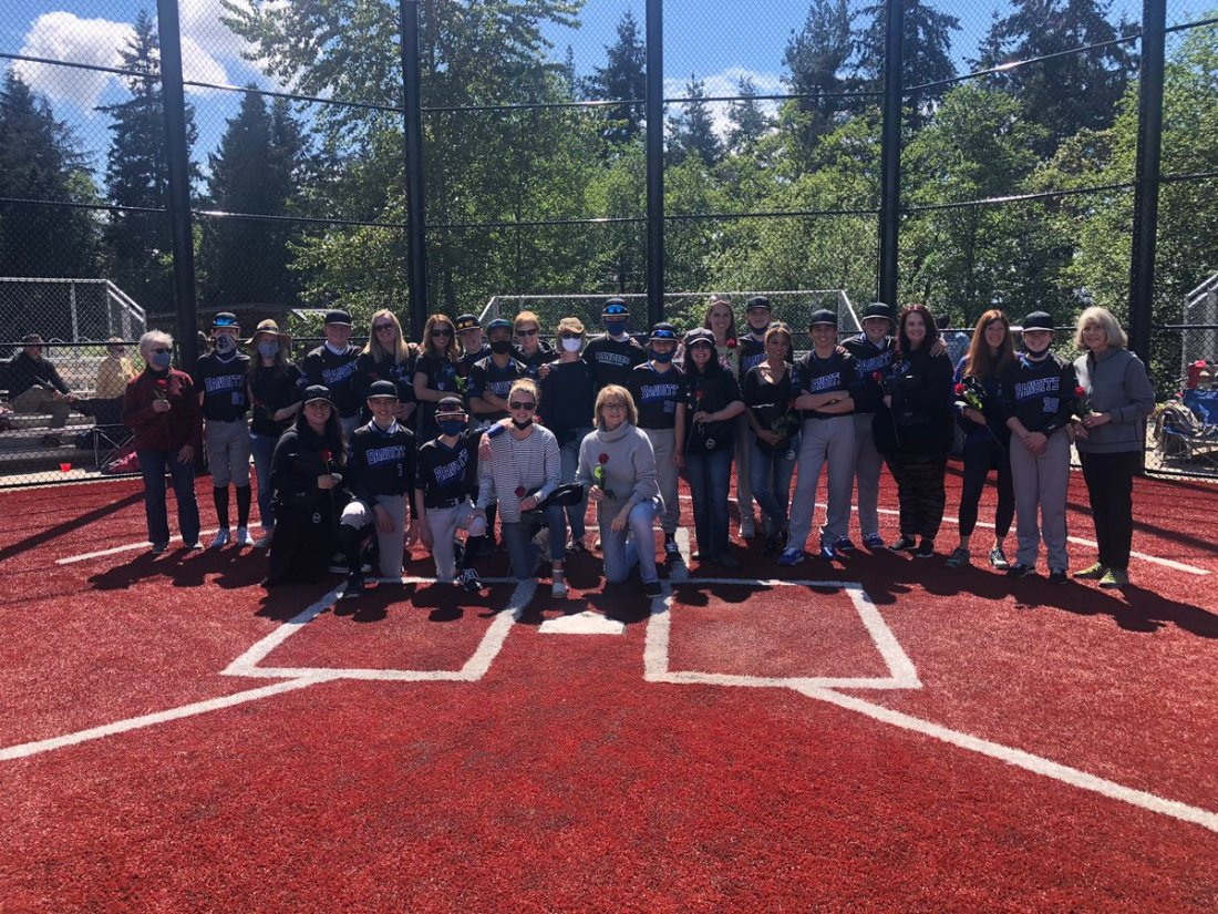 test Twitter Media - 13u Bandits celebrating Mother's Day with a 1-0 win 💪 Thank you Bandit Moms for all you do ❤️ https://t.co/w6EYkZE1aP