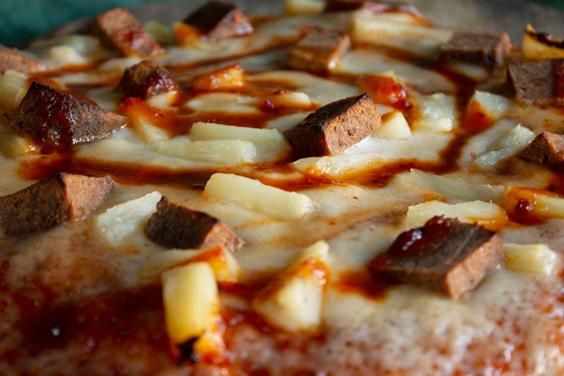 Kitchen 17 On Twitter End Your Weekend Right With Some Hawaiian Pizza It S The Last Weekend To Order It Before It S Gone Vegan Kitchen17 Pizza Pineapple Hawaiianpizza Seitanham Veggieham Bbq Https T Co Fgf42qa1n6
