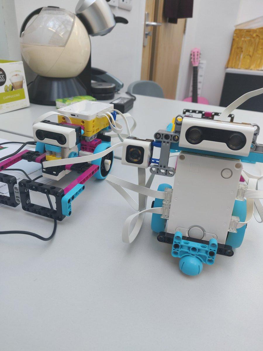 E4p2DdDVEBMcLxR - Raising Robots - LEGO Education SPIKE Prime, MINDSTORMS, BricQ and WeDo 2.0