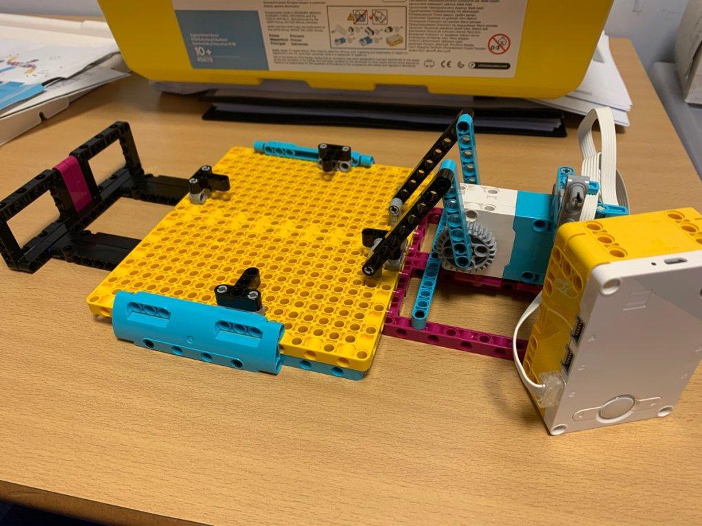 E4pT81HXIAMW7qS - Raising Robots - LEGO Education SPIKE Prime, MINDSTORMS, BricQ and WeDo 2.0