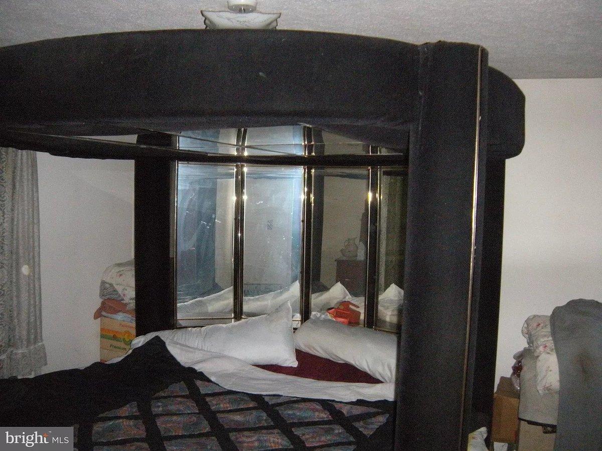 hardcore sex bed