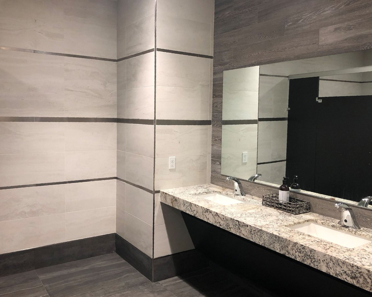 tivoli nero bathroom wall