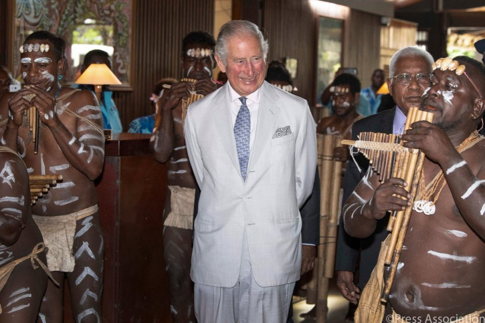 To begin the second day of #RoyalVisitSI, The Prince of Wales is welcomed to Parliament House with traditional dancing and panpipes.  🇸🇧…