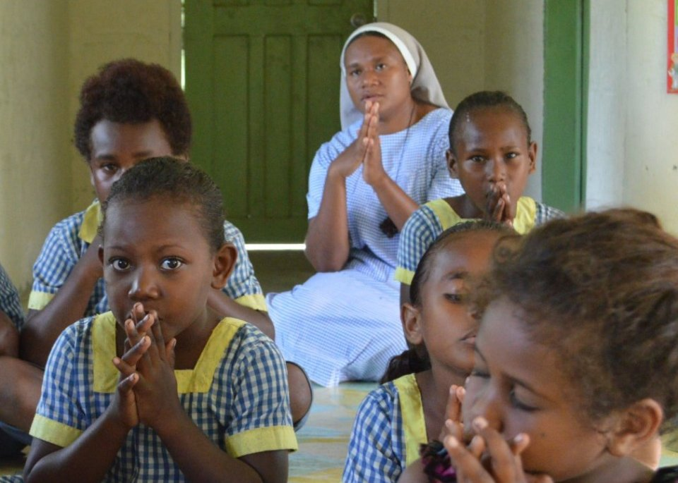 Pray for the Anglican Church of Melanesia, the Mothers' Union and the four Anglican Religious orders with our prayer diary https://t.co/1IIfgx56R3…