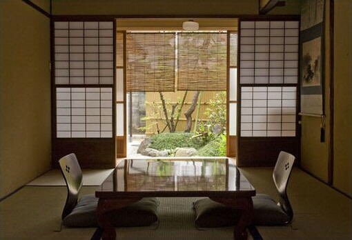 test ツイッターメディア - 掲載中の皆さんの紹介 「京町家宿 松庵」 《120年前に建てられた京の町家を、本来の厨子二階と呼ばれる町家に復元いたしました。二条城の北側に位置し、京都御所へも徒歩でお出かけ頂けます。》 #旅館 #素泊まり #京都 #二条城 #京都市 #kyoto #京町家 #京都旅行 #旅行 https://t.co/dGEG9TBIfd https://t.co/f7knyK2msM