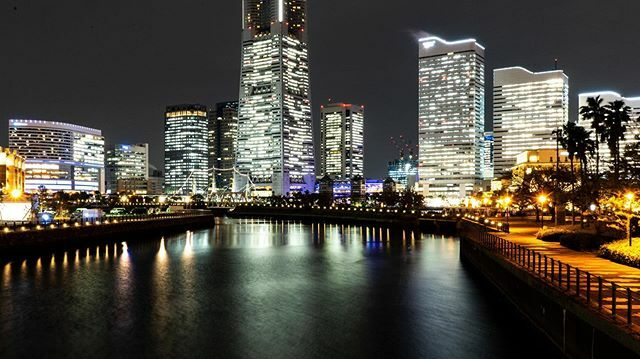 test ツイッターメディア - 三脚無いのでアングルが地形に左右される... #横浜 #夜景 #夜の街 #赤レンガ倉庫 #東京旅行 #東京観光 #夜景好きな人と繋がりたい #カメラ #写真 #写真好きな人と繫がりたい #カメラ好きな人と繫がりたい #カメラ初心者 #photography#camera #sonya7iii https://t.co/8DL9cQznAo https://t.co/8J0m551WUl
