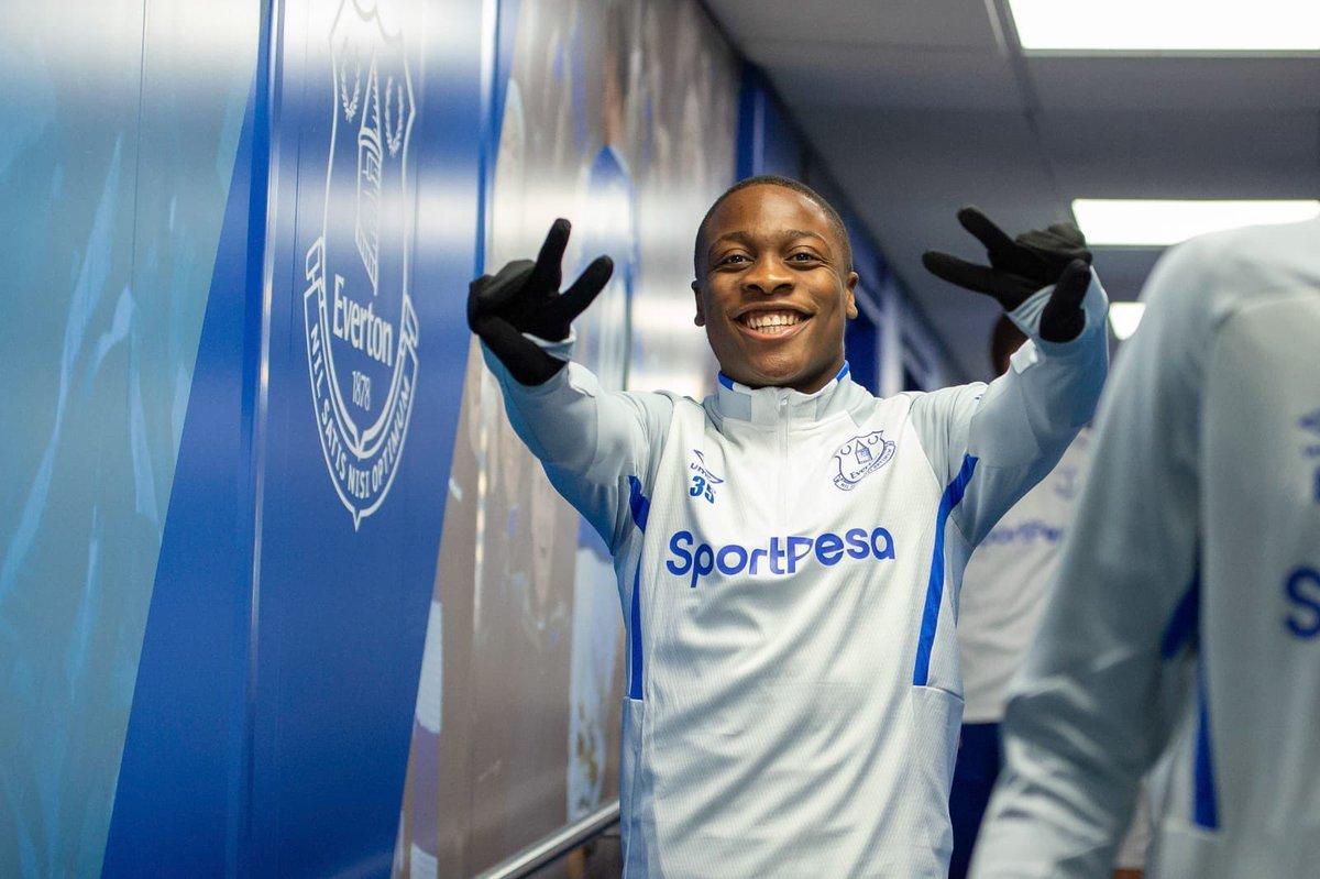 Sheffield Wednesday sign Everton midfielder Dennis Adeniran