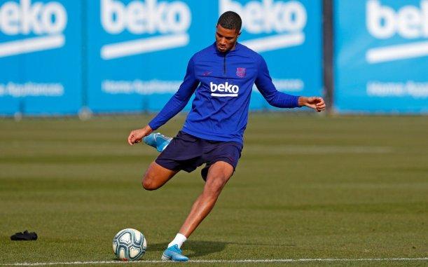 Barca defender Xavier Mbuyamba on the radar of Chelsea | ftbllr