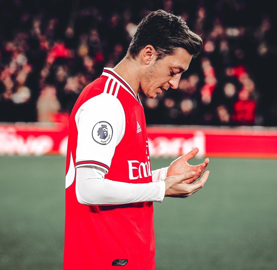 """Mesut Özil on Twitter: """"ALLAH is the reason why even in pain, I smile; in  confusion, I understand; in betrayal, I trust; and in fear I continue to  fight 🤲🏼♥ #M1Ö… https://t.co/0leG0xCzSa"""""""