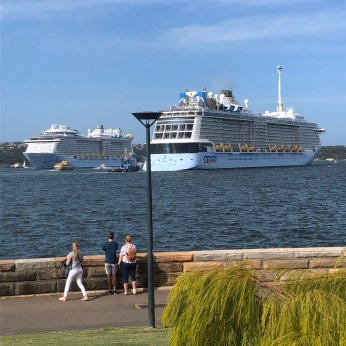 "Ron on Twitter: ""@RoyalCaribbean Spectrum of the Seas passing ..."